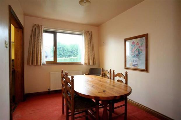 DINING ROOM - to the