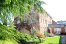 2 bedroom Flat in Isinglass Mews...