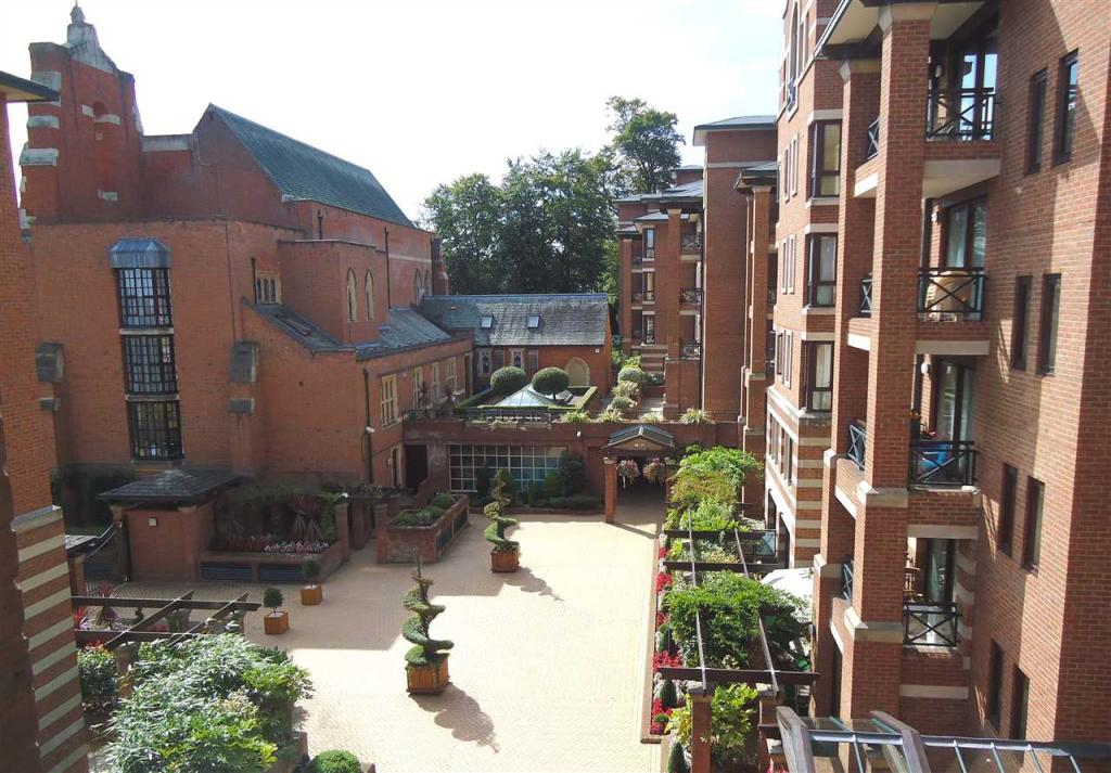 3 Bedroom Apartment To Rent In Chasewood Park Sudbury Hill Harrow On The Hill Ha1
