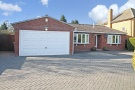 3 bed Detached Bungalow for sale in Creynolds Lane...