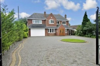 5 bed Detached property in Earlswood Common...