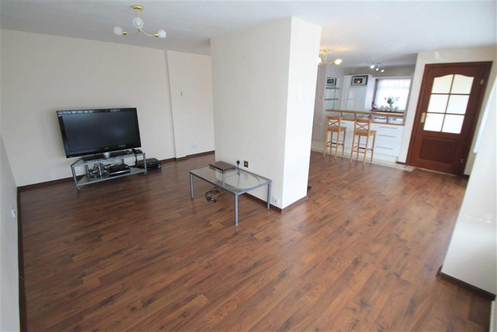 Lounge/Family Area