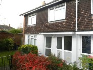 3 bedroom End of Terrace property to rent in SOUTHGATE