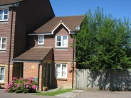 Ground Maisonette to rent in MAIDENBOWER