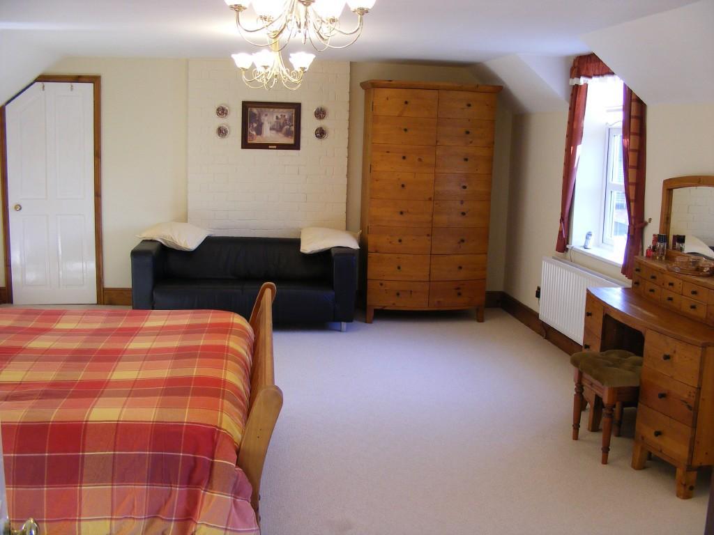 Brown Red Master Bedroom Design Ideas Photos