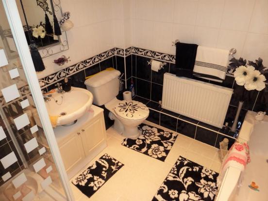 Firs Cottage Bathroom