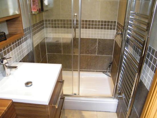 En-suite shower room 1 x2