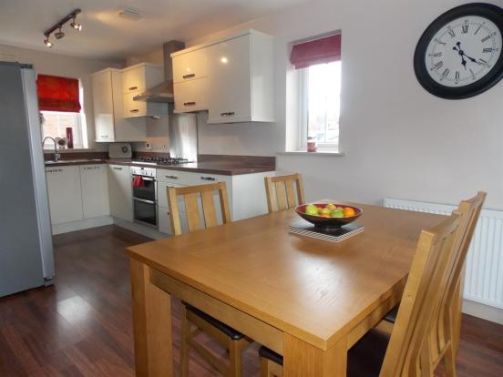 5 bedroom end of terrace house for sale in pasture lane for Terrace kitchen diner