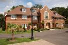 2 bed Ground Flat in Heron Mansions...