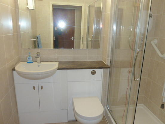 Refitted Shower Rm