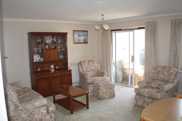Open plan- lounge