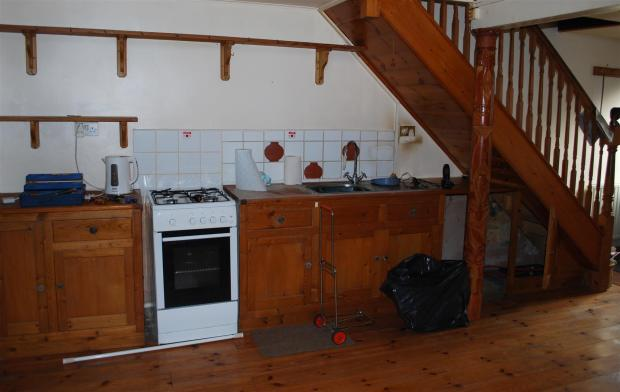 Kitchen Area.JPG