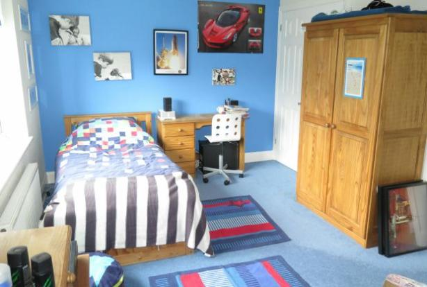 Bedroom 4 with wardrobe