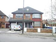 Flat to rent in Hutton Grove, Finchley...