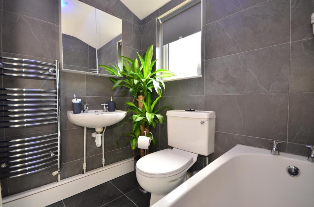 9013mqg3 - bathro...