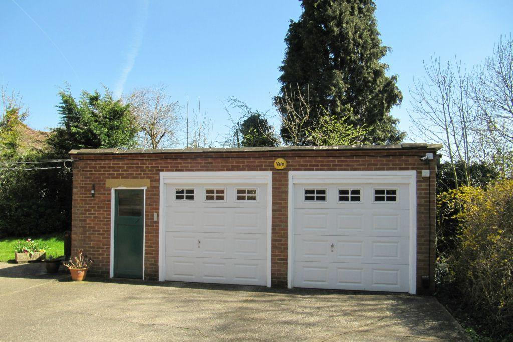 DETACHED DOUBLE GARAGE WITH WORKSHOP