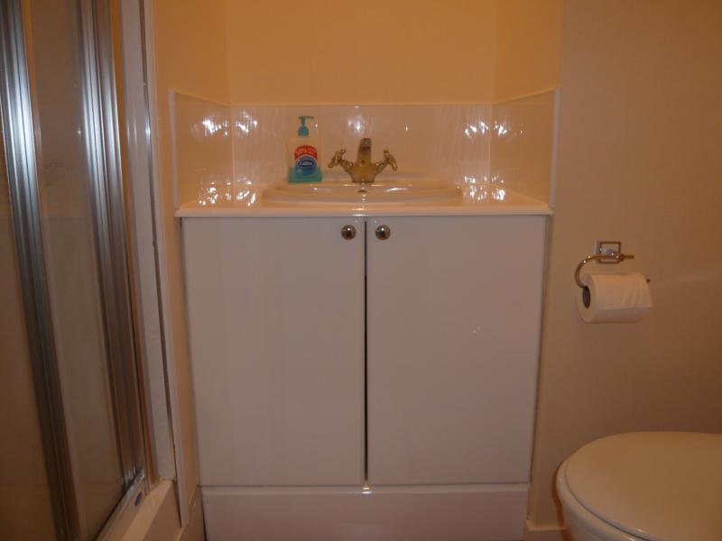 32 Midstocket Road, Top Right - Shower Room