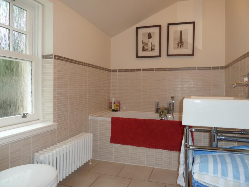 62 Albury Road - Bathroom