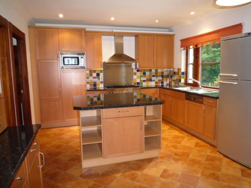 The Beacons, 35 Culter House Road - Kitchen