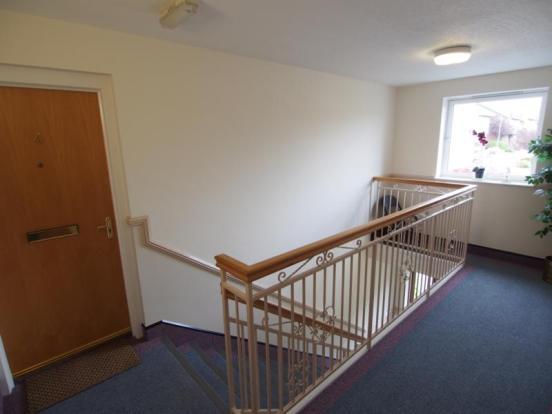 4 Hilton Heights - Communal Hallway
