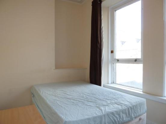 155 Hutcheon Street, Ground Right - Bedroom