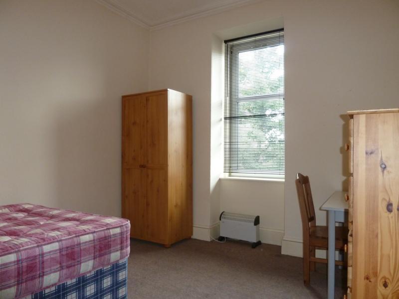 185 Rosemount Place - 1st Bedroom