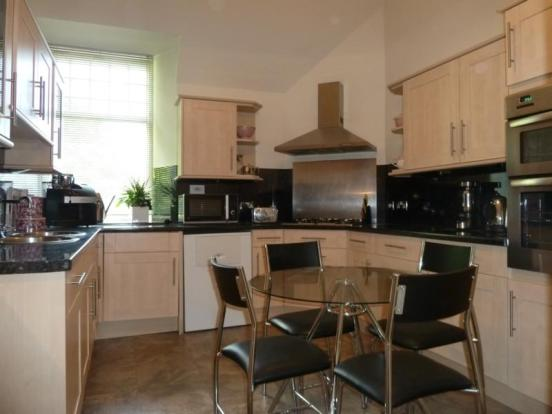 13 Rubislaw Den North, Flat 2 - Kitchen
