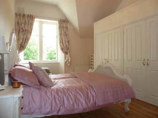 13 Rubislaw Den North, Flat 2 - Master Bedroom
