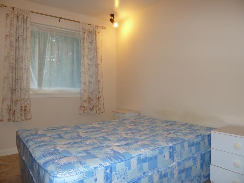 6 Westdyke Avenue - Bedroom