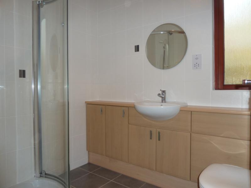 25 Bethlin Mews - Shower Room