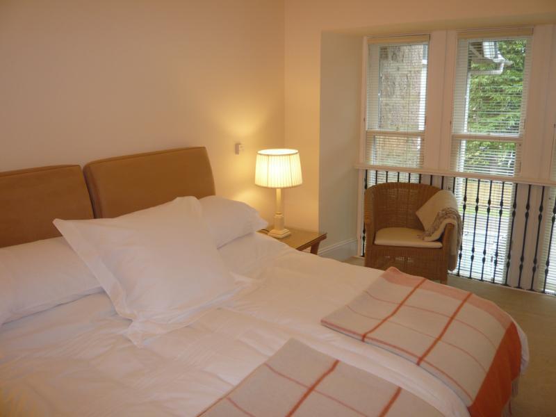 5 Marshall Mackenzie Road, Kingseat - Bedroom