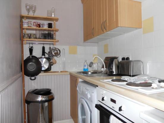 52 Balmoral Terrace - Kitchen