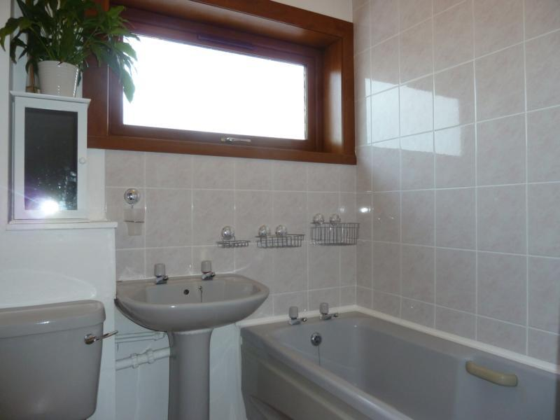11 Greenbrae Avenue - Bathroom