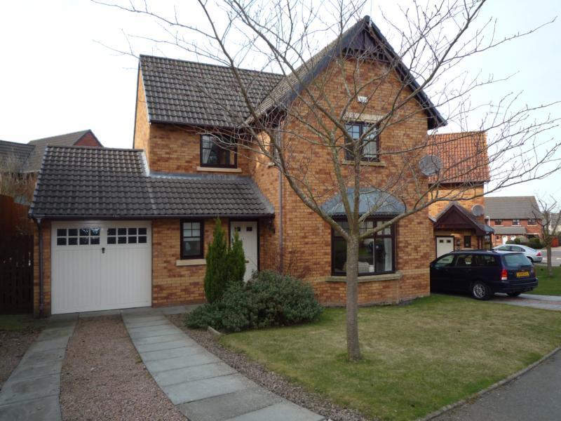 16 Wellside Circle, Kingswells - Exterior