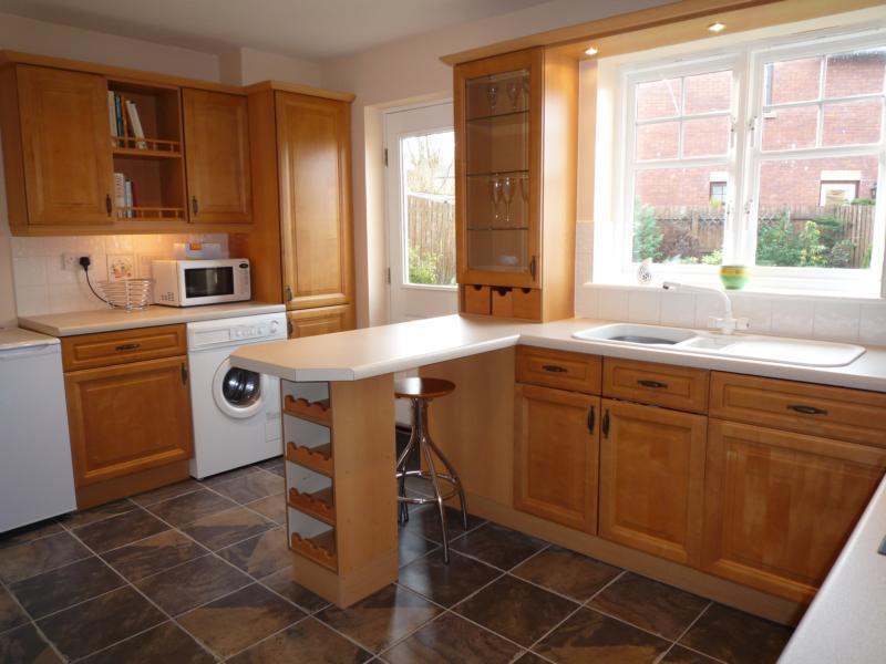 16 Wellside Circle, Kingswells - Kitchen