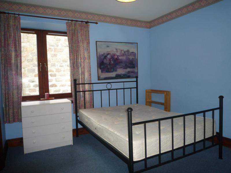 8 Caledonian Court - Bedroom