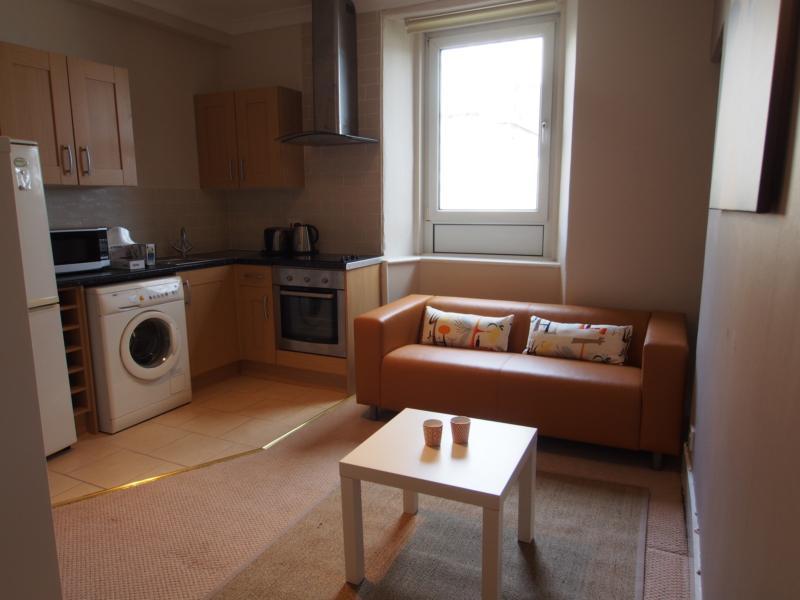 15 rosebank plc lounge kitchen