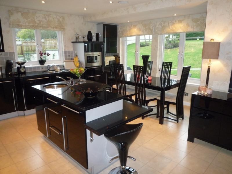 4 Woodlands Gardens - Kitchen