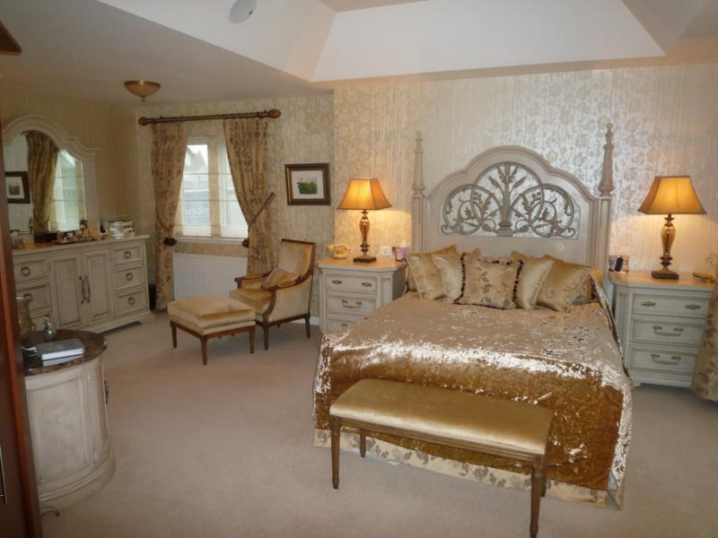 4 Woodlands Gardens - Bedroom