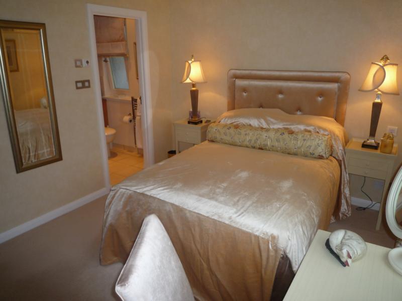 4 Woodlands Gardens - 2nd Bedroom