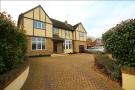 5 bedroom Detached house to rent in Plough hill, Cuffley