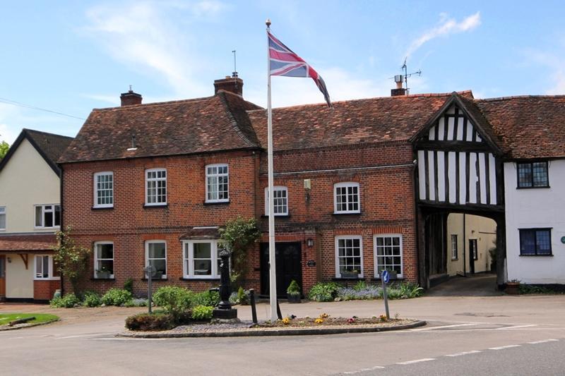 6 bedroom house for sale in rundle house high street hatfield broad oak bishops stortford for Swimming pools in bishops stortford