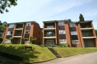 2 bed Ground Flat in Underwood Road, Caterham