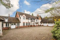 6 bedroom Detached house in Tydcombe Road, Warlingham