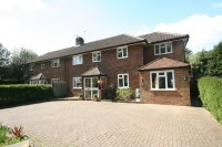 4 bed semi detached house in Portnalls Road, Coulsdon