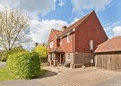 3 bed Detached house in Hine Close, Coulsdon