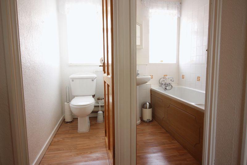 Toilet & B...
