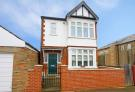 2 bedroom Flat for sale in Burns Road, Ealing...
