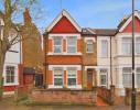 Flat in Elthorne Avenue, Ealing...
