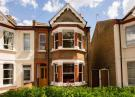 3 bed property in Seward Road, Hanwell...